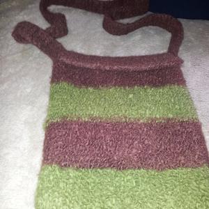 da  ich  filztaschen  selbet  entwerfe  und  stricke   möchte  ich  gerne  verkaufen